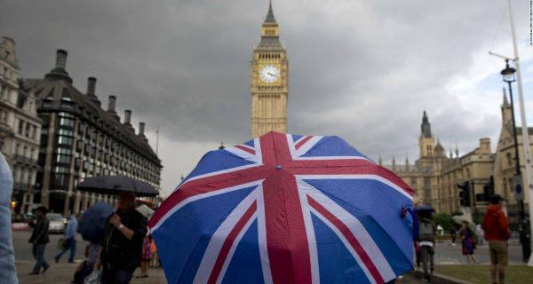 Brexit, la sterlina debole costa cara agli inglesi