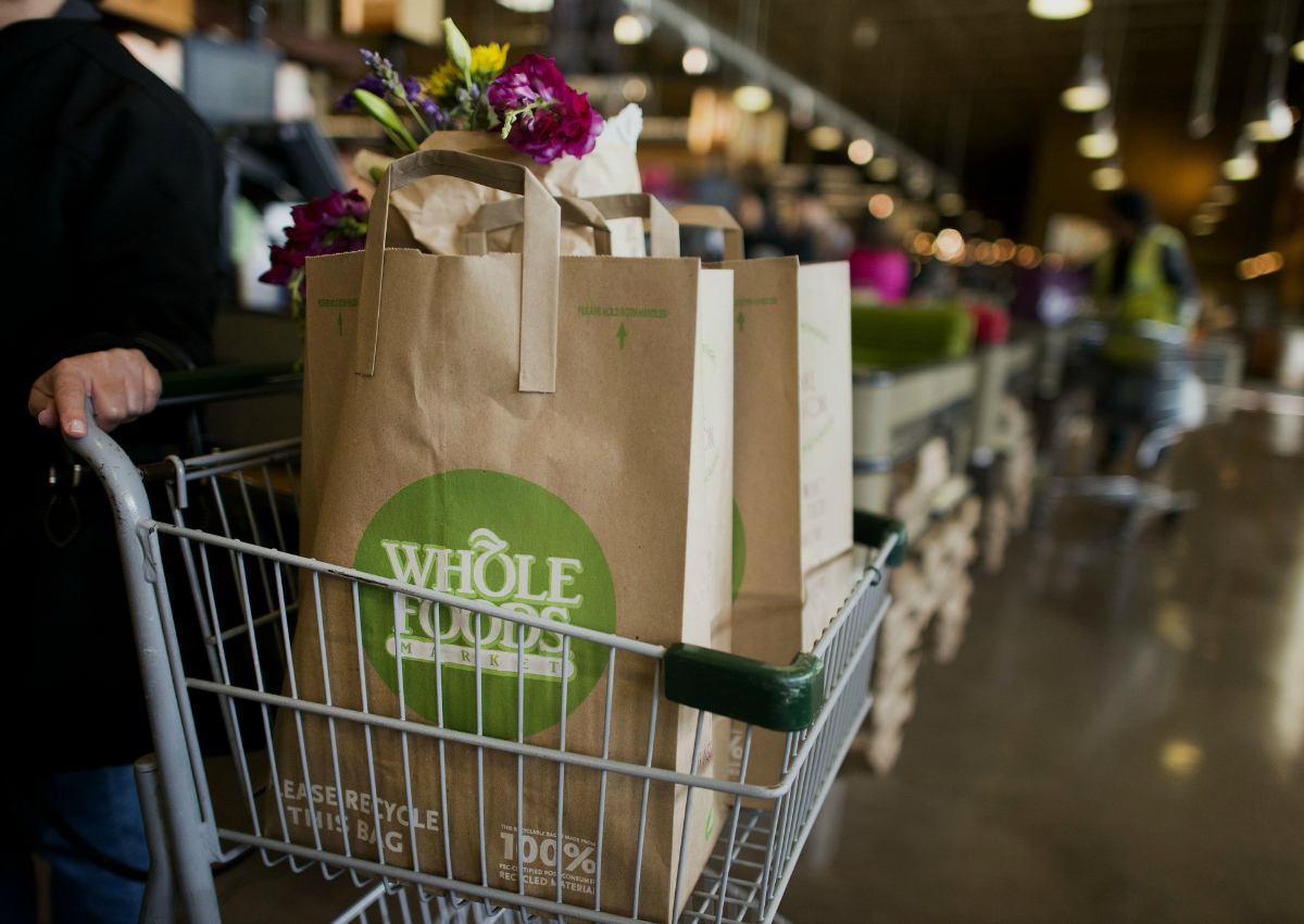 Whole Foods, il matrimonio sarà con Amazon