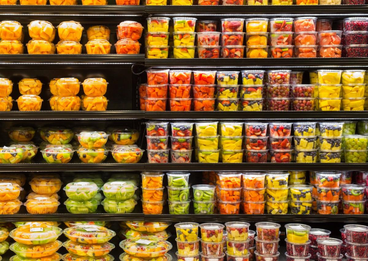 Boom di frutta e verdura confezionati