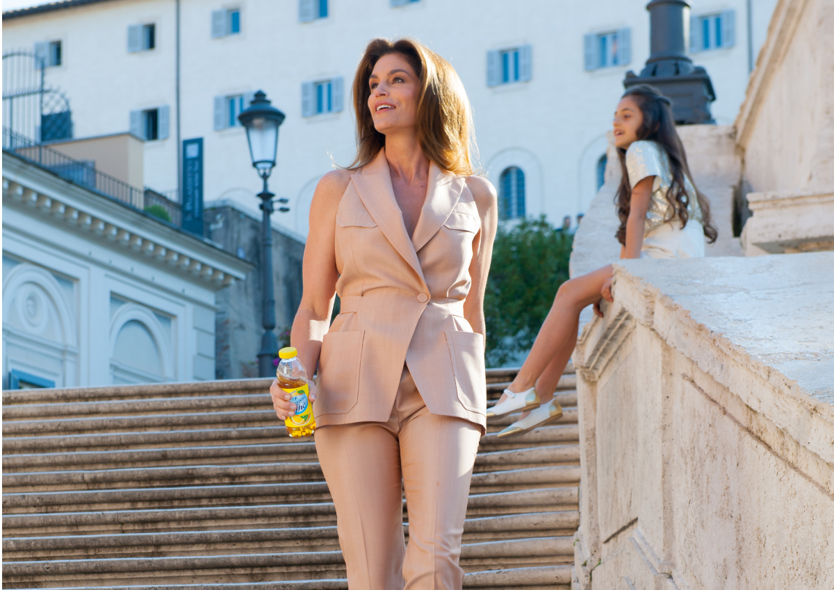 Cindy Crawford torna con 'San Benedetto, I love you'